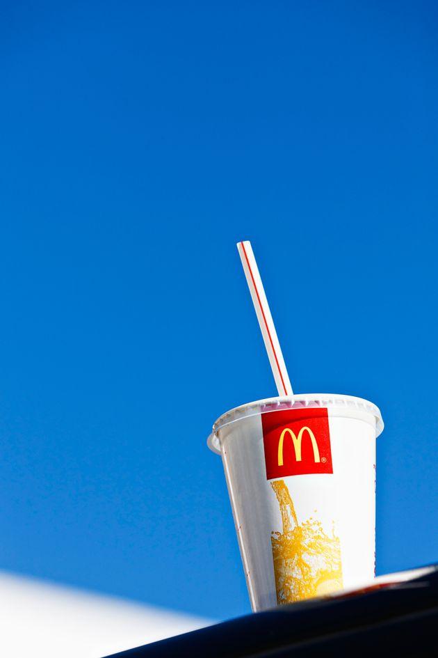 McDonald's va a eliminar las pajitas de