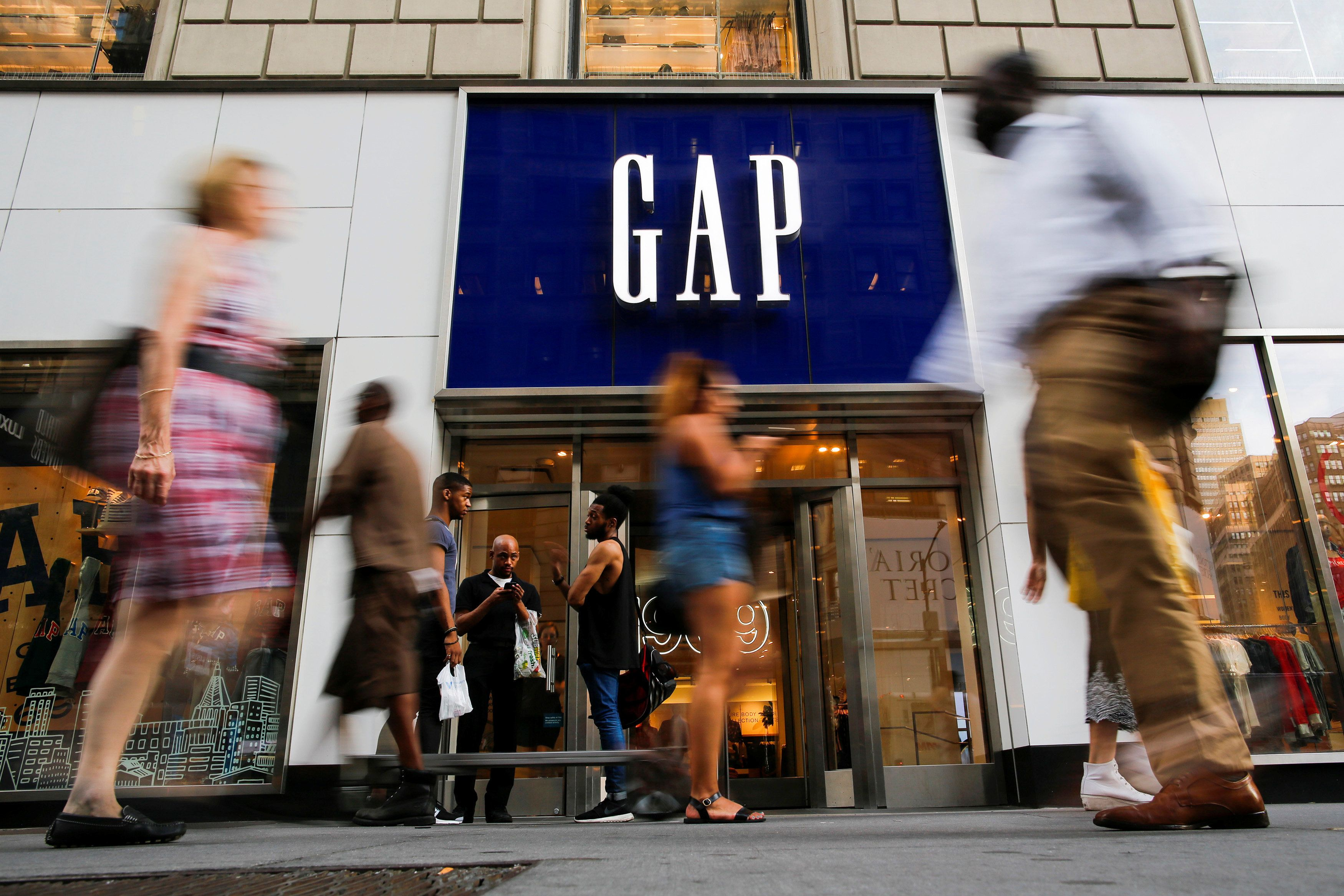 A study involving Gap stores in the San Francisco and Chicago areas found that offering employees steady hours boosted produc