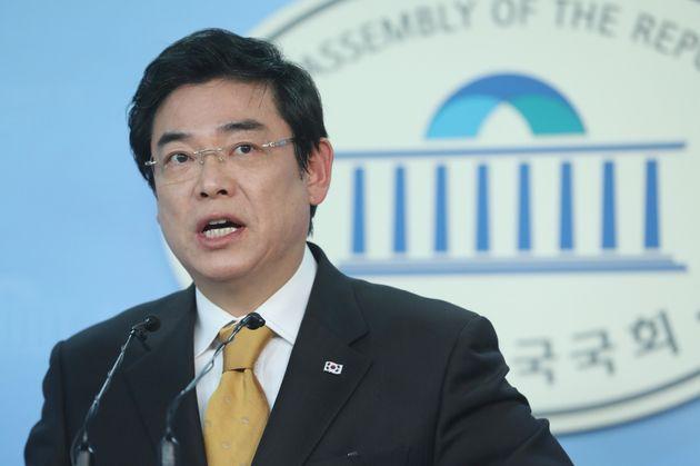 자유한국당 홍지만 대변인. 19대 국회의원(대구 달서갑)을 지낸 홍 의원은 '친박'으로 분류되며, 현재 김성태 원내대표 비서실장을 겸임하고