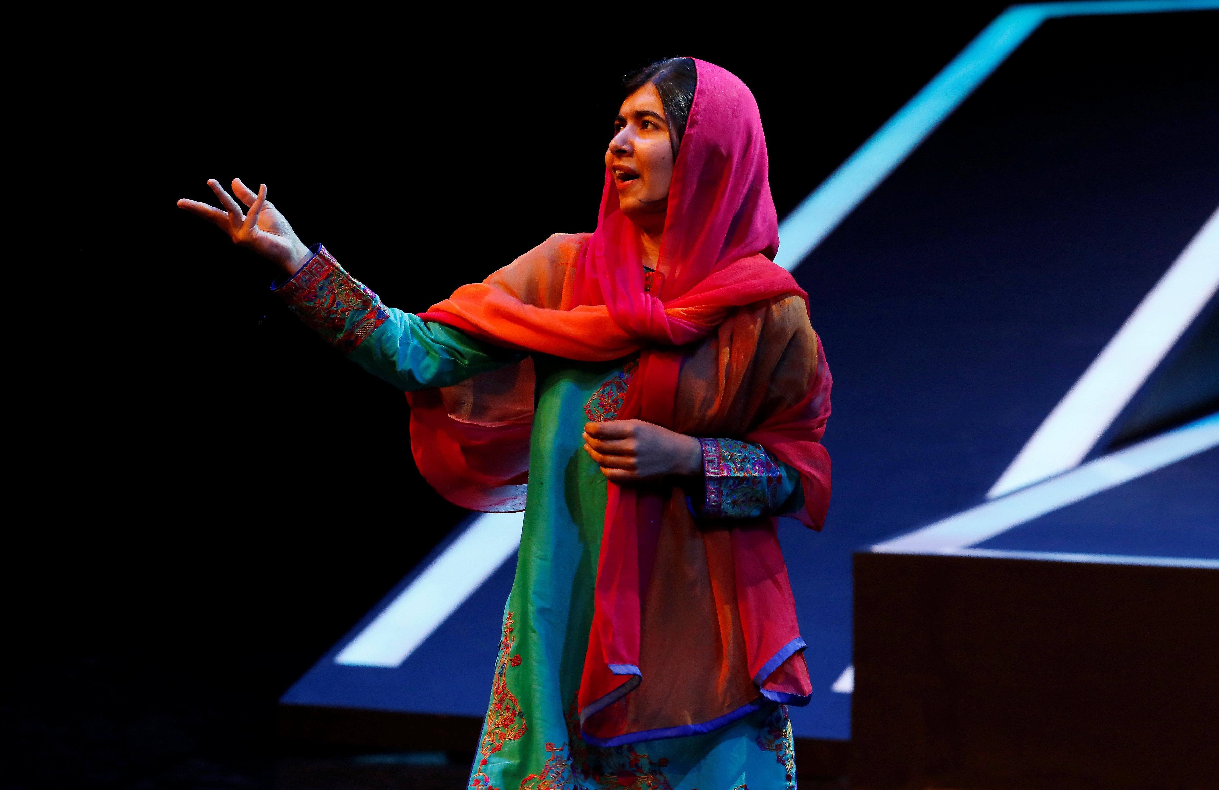 Έξι χρόνια αφότου οι Ταλιμπάν αποπειράθηκαν να την εκτελέσουν, η Μαλάλα Γιουσαφζάι επιστρέφει στο