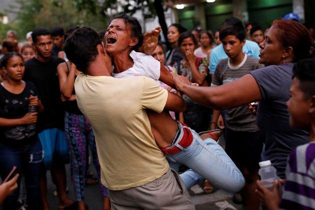 베네수엘라 경찰서에서 폭동이 일어나 68명이