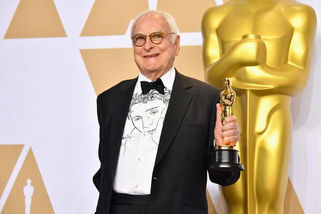 '콜 미 바이 유어 네임' 시나리오 작가 제임스 아이보리가 영화에 남성 나체가 나오지 않는 것을
