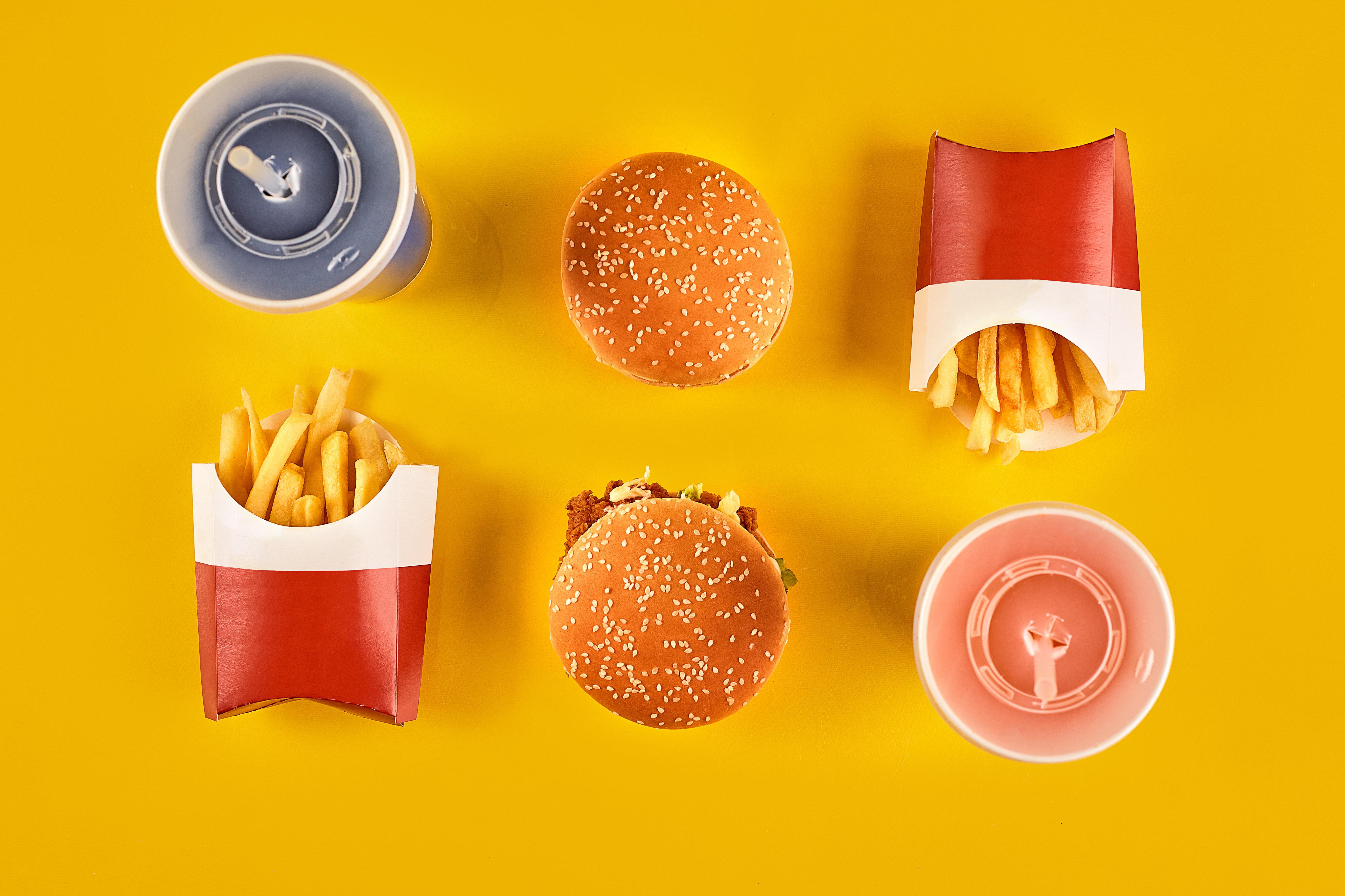 Quem come fast food também ingere substâncias químicas das