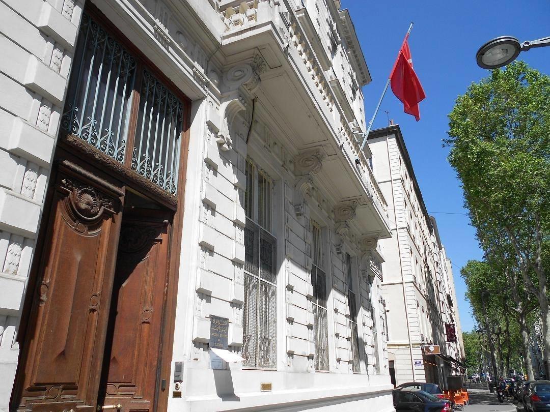 L'agent de sécurité du consulat tunisien à Lyon arrêté dans le cadre de l'enquête sur le vol des 450