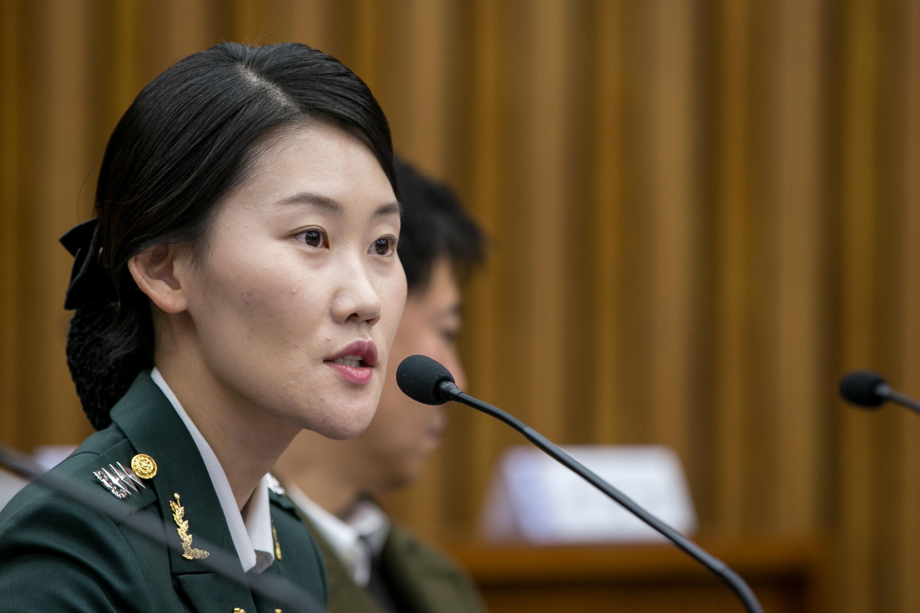 '조여옥 대위 징계' 국민청원 글들이
