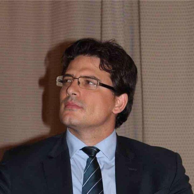Le Tunisien Moez Chakchouk rejoint la direction de l'UNESCO au poste de Sous-Directeur général pour la...