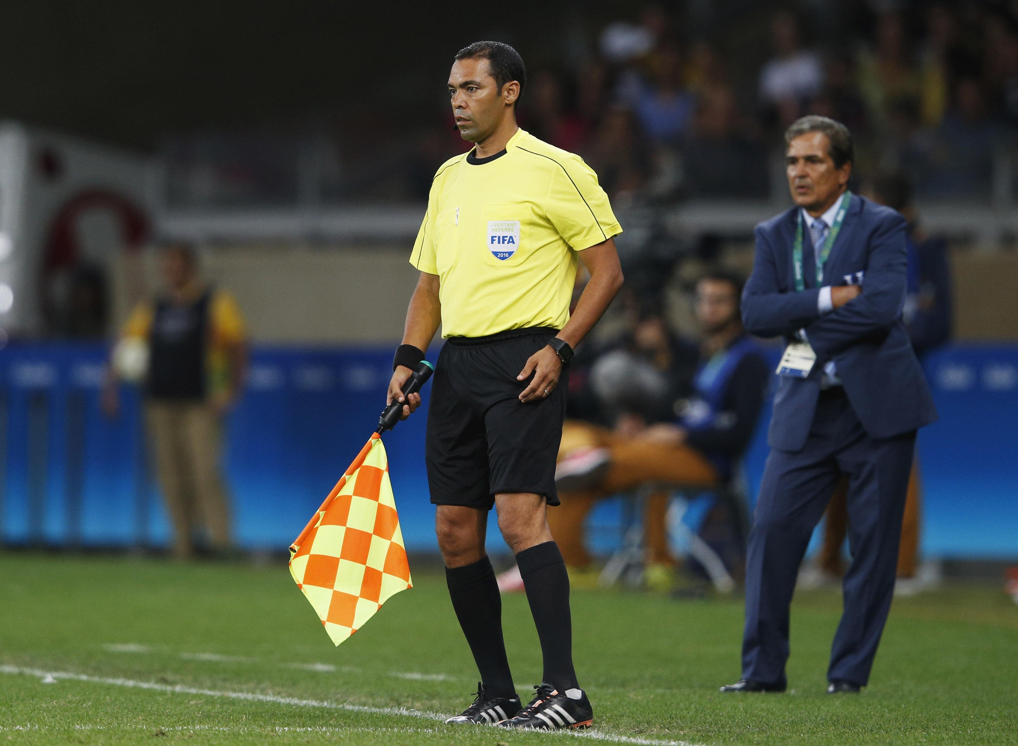 Qui est Redouane Achik, le seul Marocain désigné pour arbitrer la Coupe du monde 2018