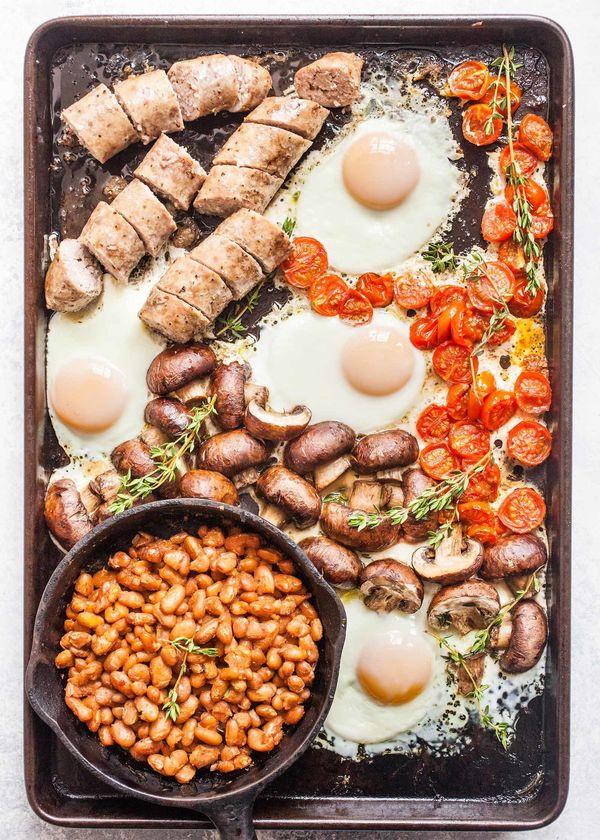 "<strong>Get the <a href=""https://www.simplyrecipes.com/recipes/sheet_pan_english_breakfast/"" target=""_blank"">Sheet Pan Englis"