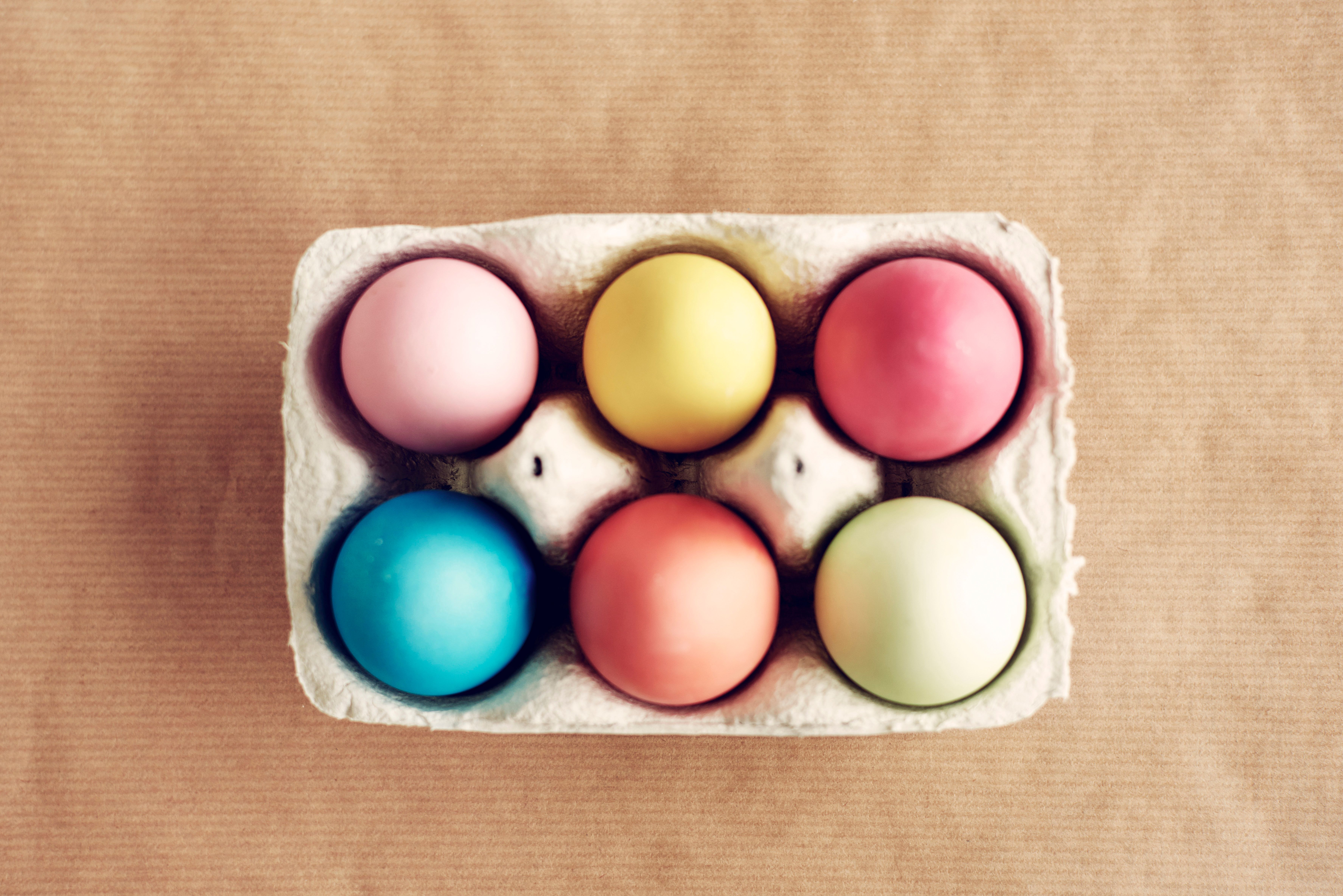 What are the secrets of natural coloring Easter eggs you do not know