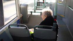 Ich traf eine ältere Frau im Bus – sie zeigte mir, was Einsamkeit wirklich bedeutet