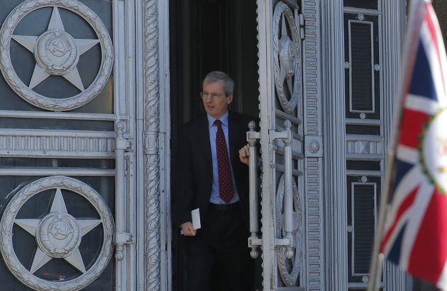 L'ambassadeur de Grande-Bretagne quittant le ministère des Affaires Etrangères