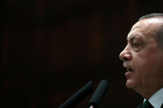 Μουσουλμανικός χαιρετισμός από τον Ερντογάν μέσα στην Αγία