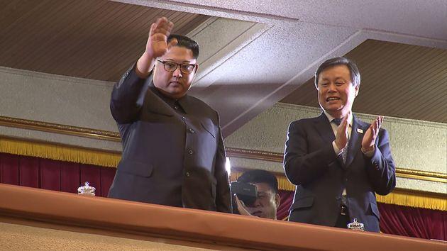 북한 김영철이 한국 기자들에게 자신을 이렇게