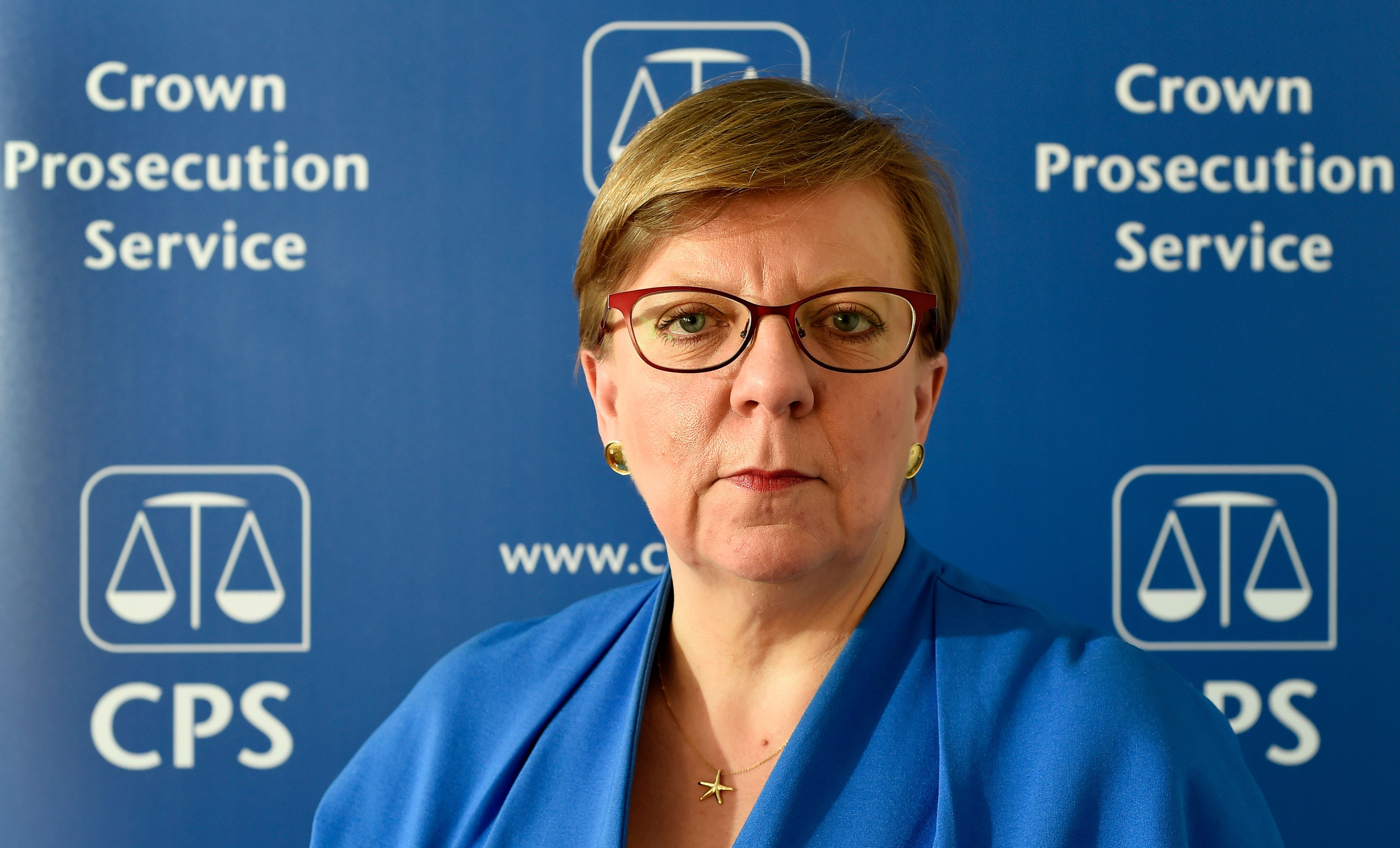 he Director of Public Prosecutions Alison Saunders is to stand down in
