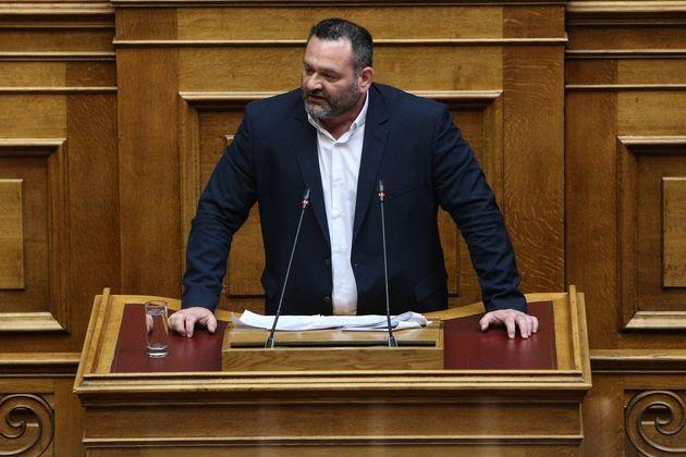 Περικοπή βουλευτικής αποζημίωσης και 15 μέρες αποκλεισμό από κοινοβουλευτικές διαδικασίες στον Λαγό της...