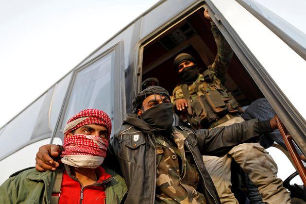 Syrie: des rebelles évacuent, le régime en passe de reprendre toute la Ghouta