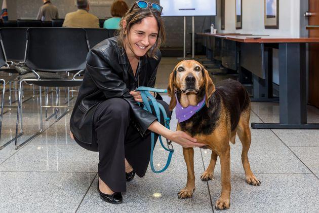 Το σκυλάκι που συγκίνησε με την ιστορία του την ΕΛ.ΑΣ. και έγινε