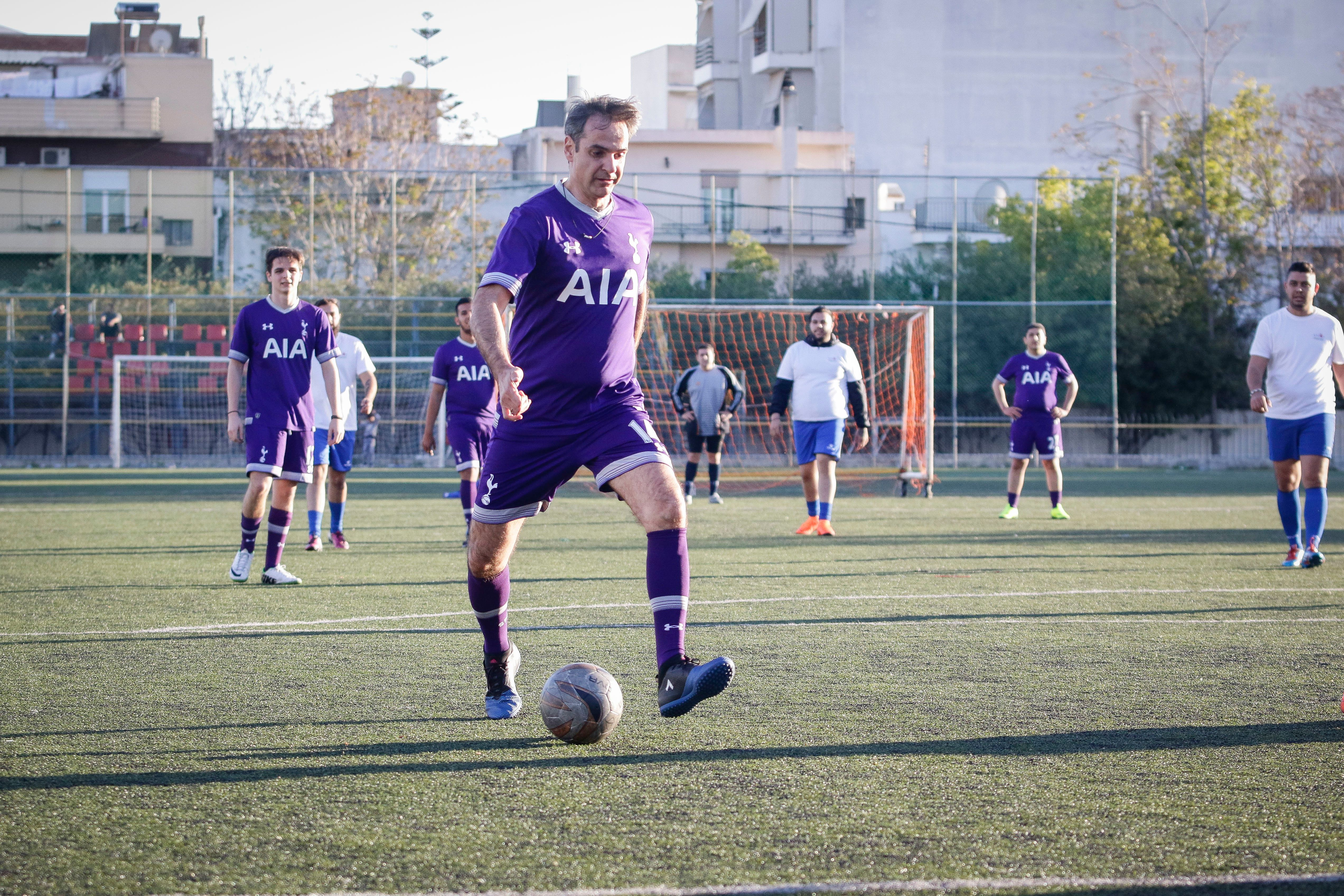Σε φιλικό αγώνα ποδοσφαίρου με την ομάδα της Ελλάν Πασσέ συμμετείχε ο Κυριάκος
