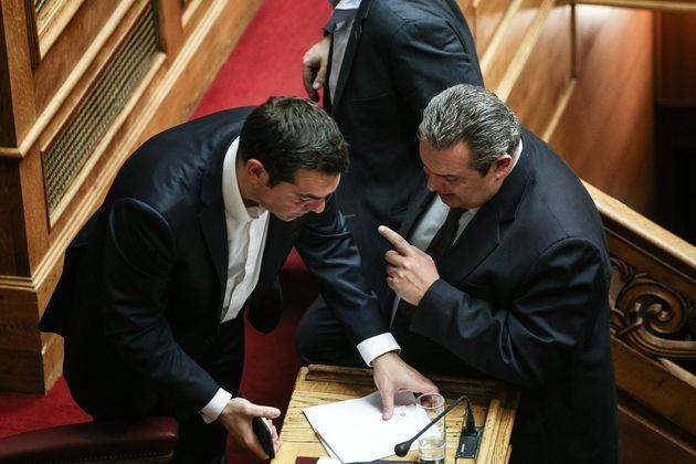 Διαψεύδουν κυβερνητικές πηγές την πληροφορία για τηλεφωνική επικοινωνία Τσίπρα -