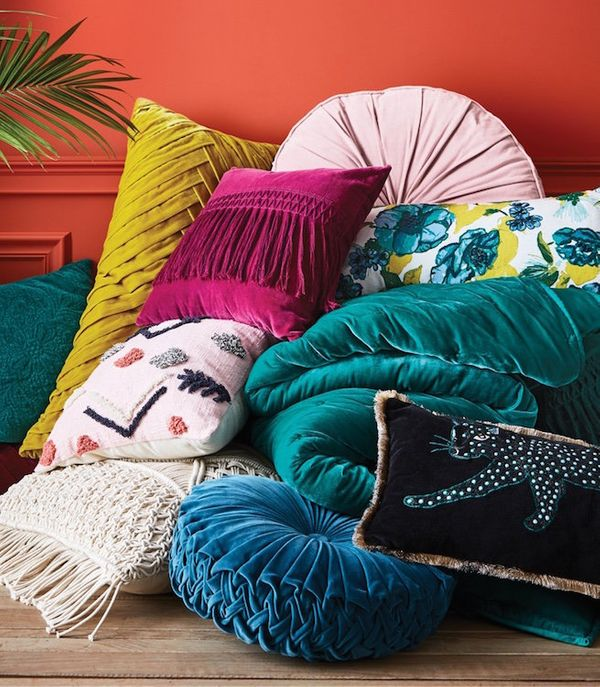 "Throw pillows <a href=""https://www.target.com/c/opalhouse-throw-pillows/-/N-rbwiq?minPrice=1&maxPrice=35&lnk=Throwpil"