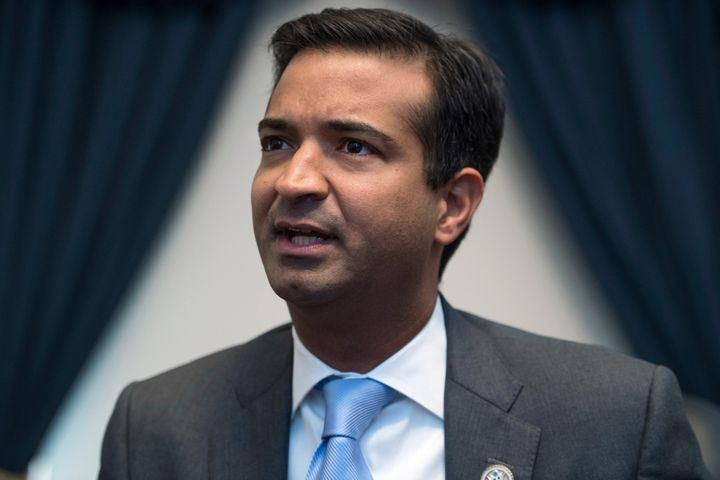 Rep. Carlos Curbelo (R-Fla.) has joined Democrats and environmental groups in calling for Environmental Protection