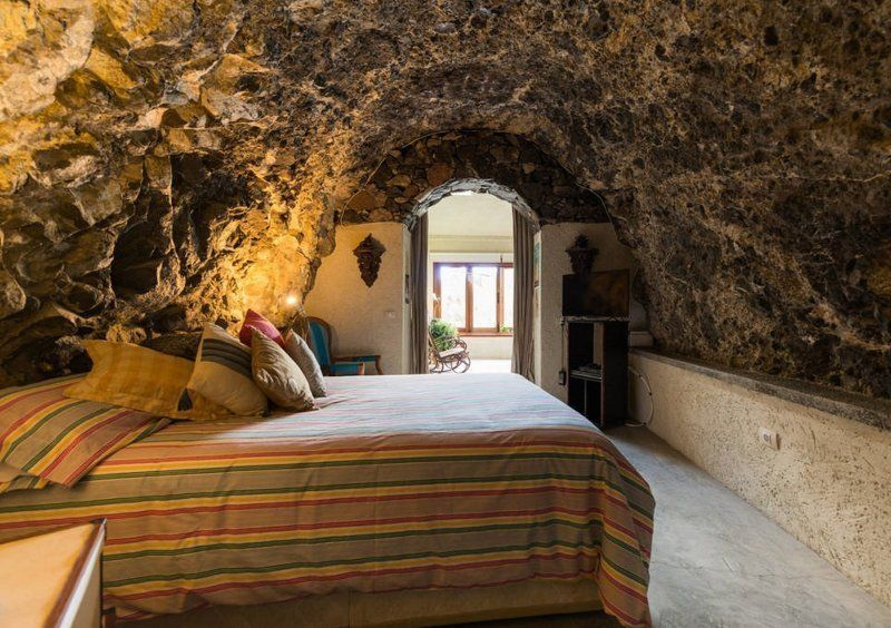 Loft Cave Sea Views