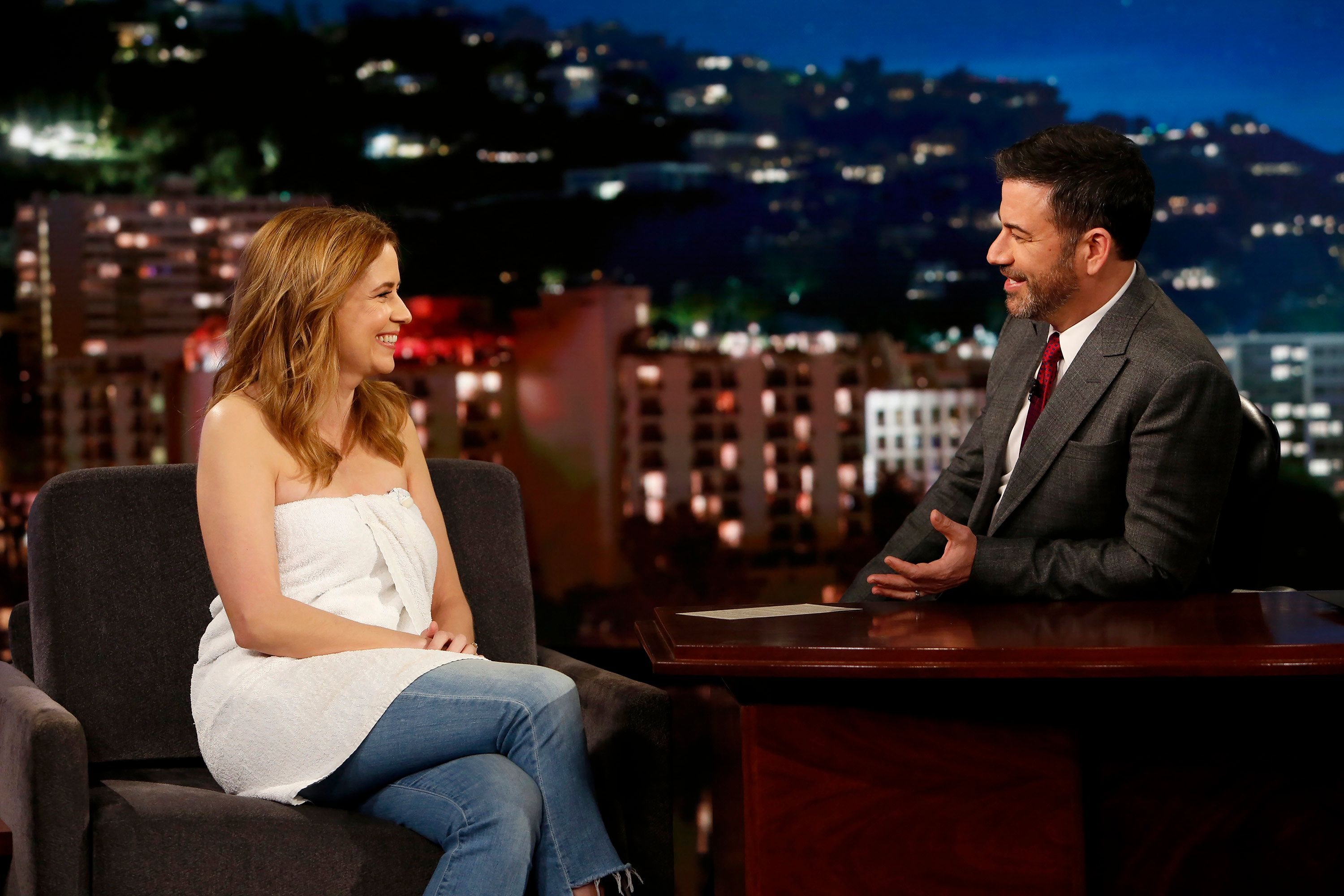 Jenna Fischer wears a towel for Kimmel interview following wardrobe malfunction