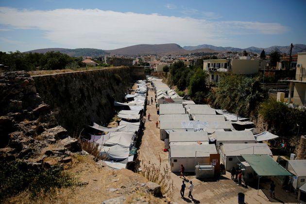 Συνεχίζονται οι προσφυγικές ροές προς την
