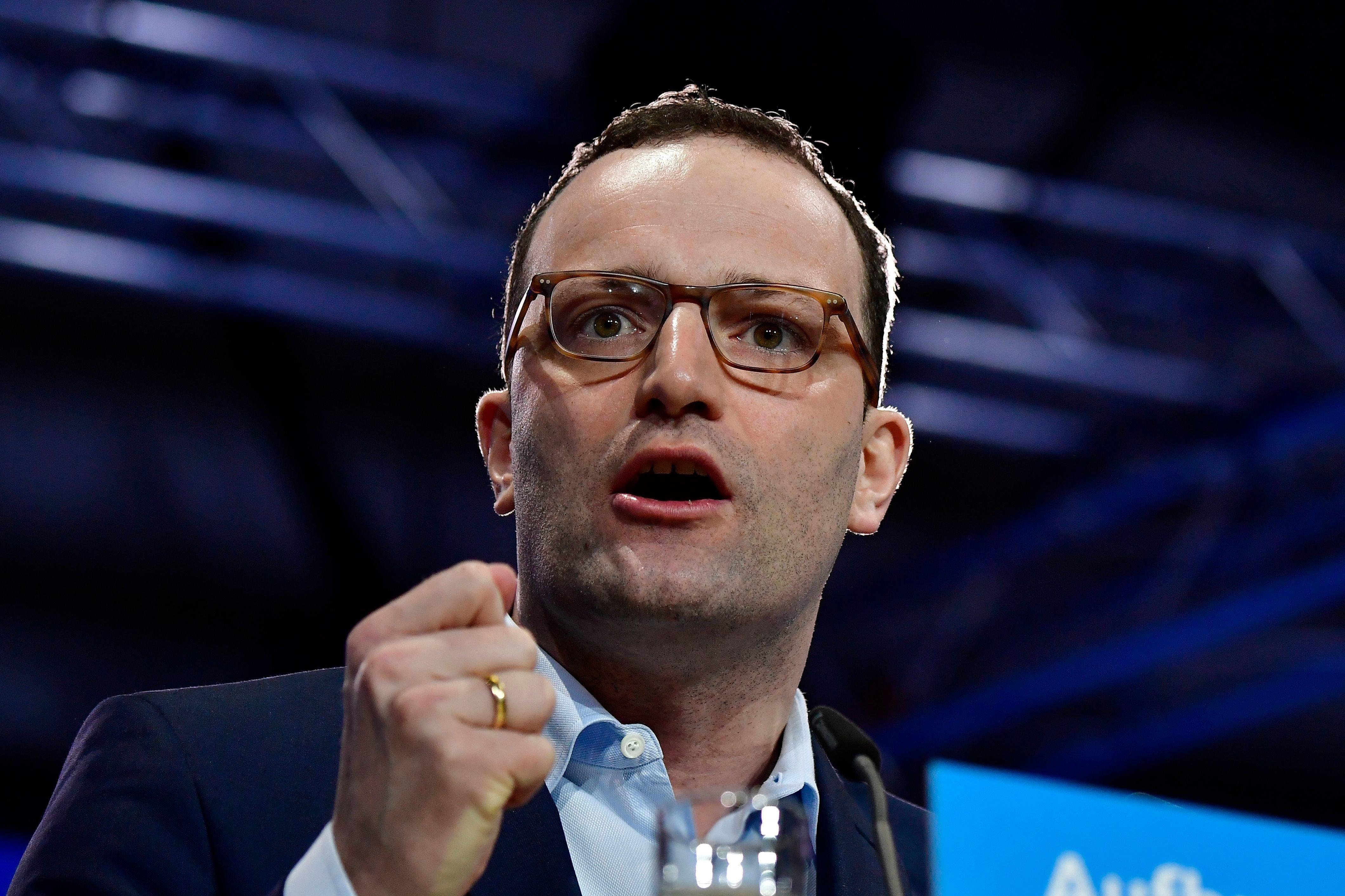 NZZ-Interview Jens Spahn erntet viel Kritik