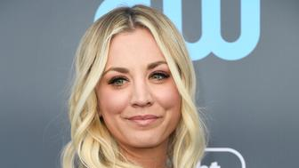 SANTA MONICA, CA - JANUARY 11:  Actor Kaley Cuoco attends The 23rd Annual Critics' Choice Awards  at Barker Hangar on January 11, 2018 in Santa Monica, California.  (Photo by Frazer Harrison/Getty Images)