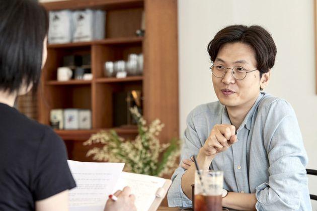 "[ESC] 마블 영화 번역의 신, 황석희 ""욕 좀 쓰면"