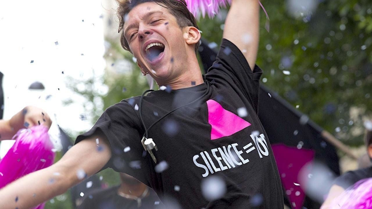 '120 BPM (Beats Per Minute)' Is An Urgent, Life-Affirming Film For Our Times - HuffPost