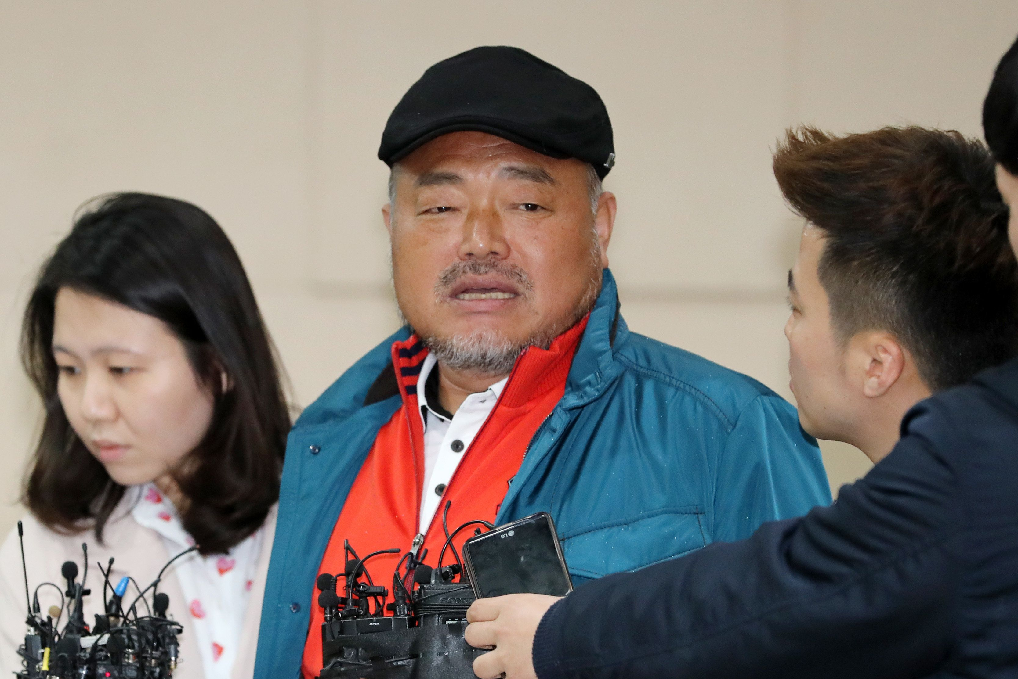 '성폭행 의혹' 22일 만에 모습을 드러낸 김흥국이 남긴 말들