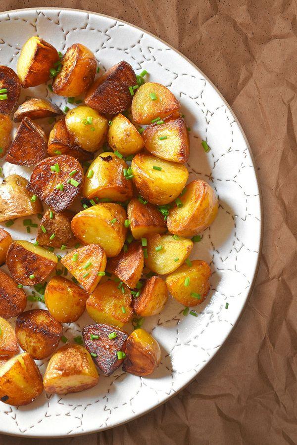 "<strong>Get the<a href=""https://nomnompaleo.com/post/33235606879/pressure-cooker-crispy-potatoes"" target=""_blank"">Insta"