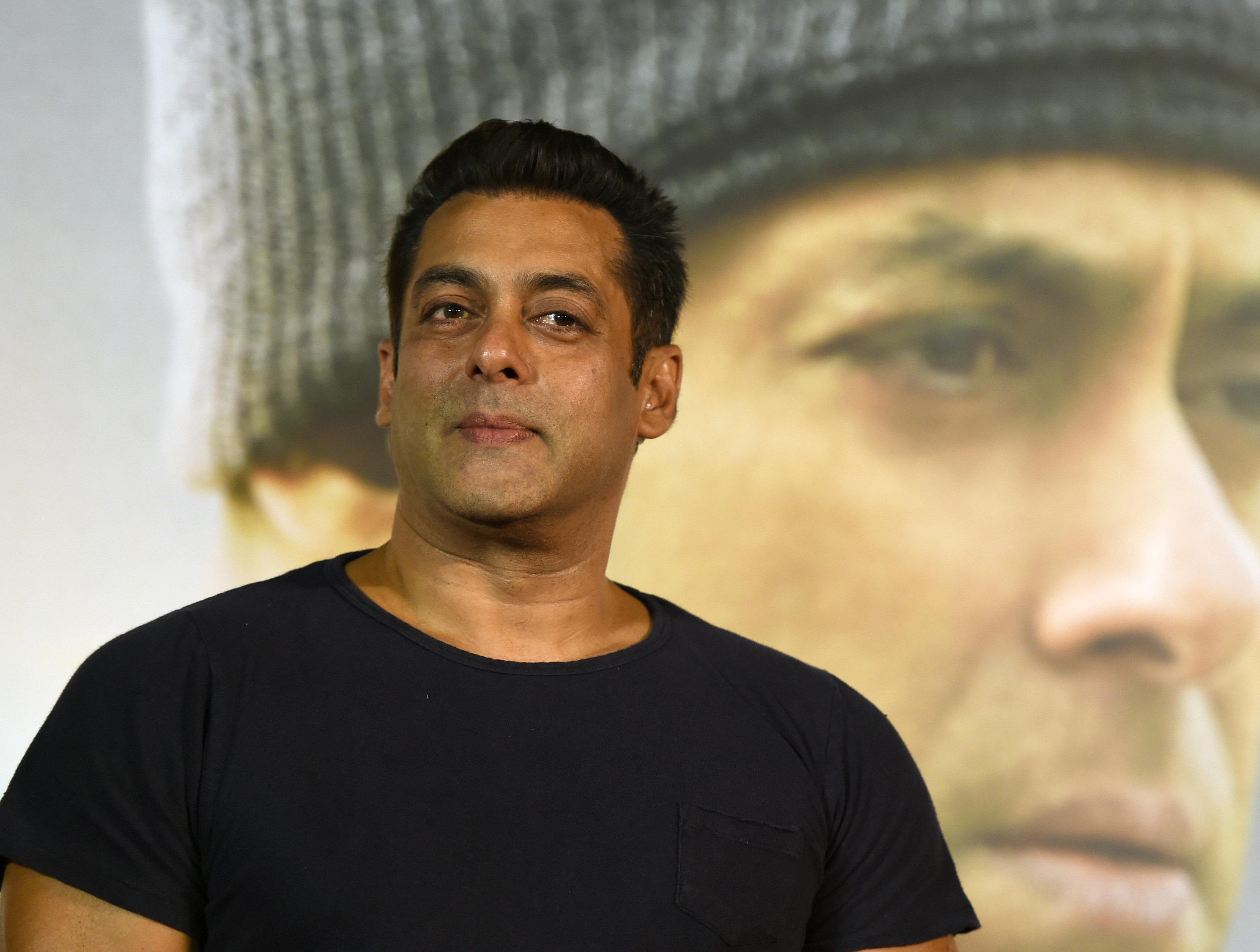 발리우드 유명배우 살만 칸이 징역형을 선고