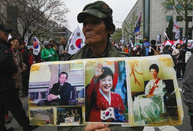 박근혜 지지자들은 1심 선고결과에 분노를 감추지