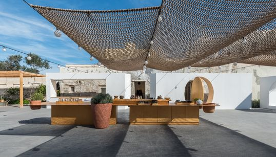 Speira στην Οία: Mία από τις ομορφότερες υπαίθριες αγορές του