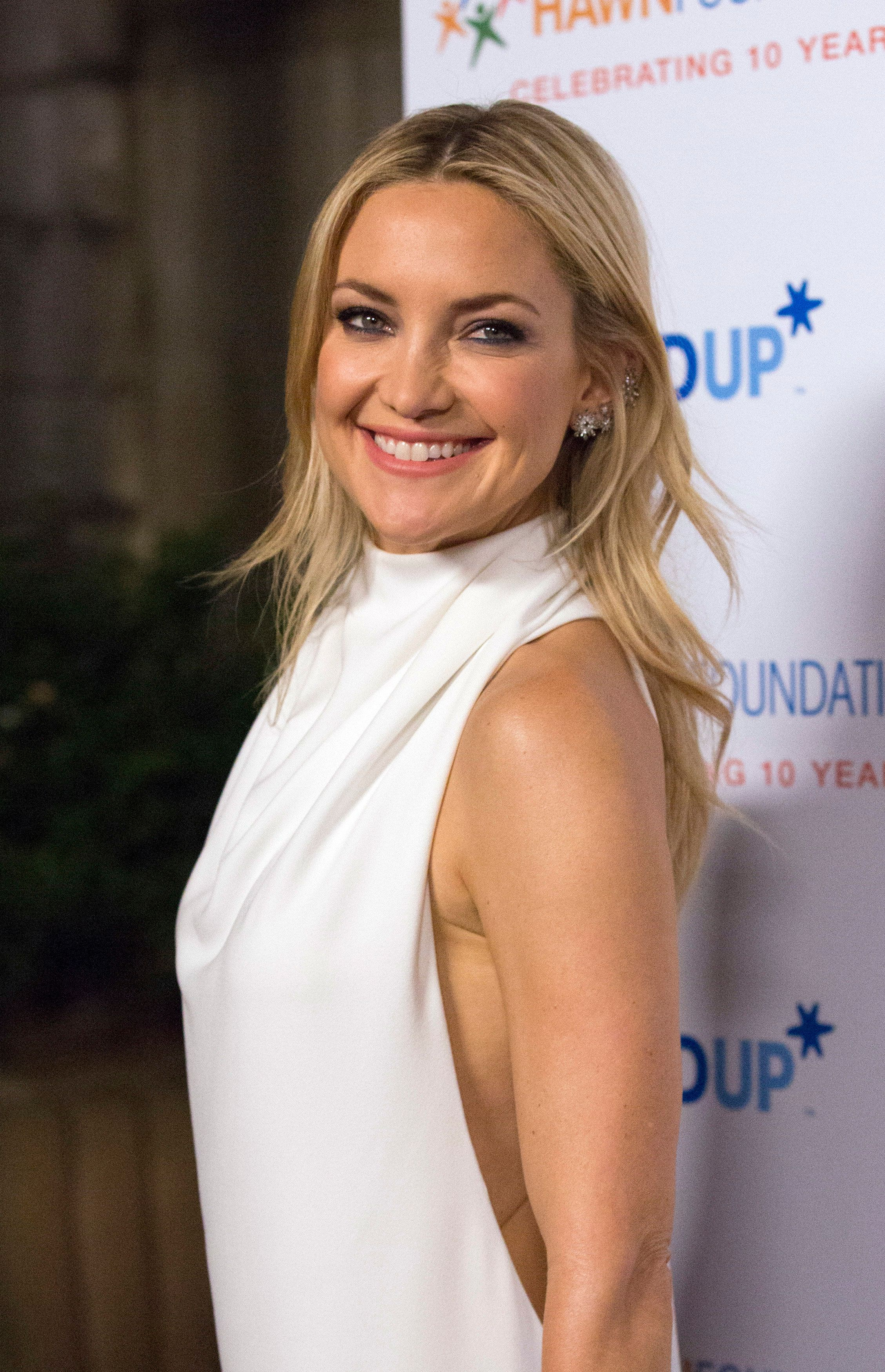 Kate Hudson Explains Social Media Absence With Pregnancy