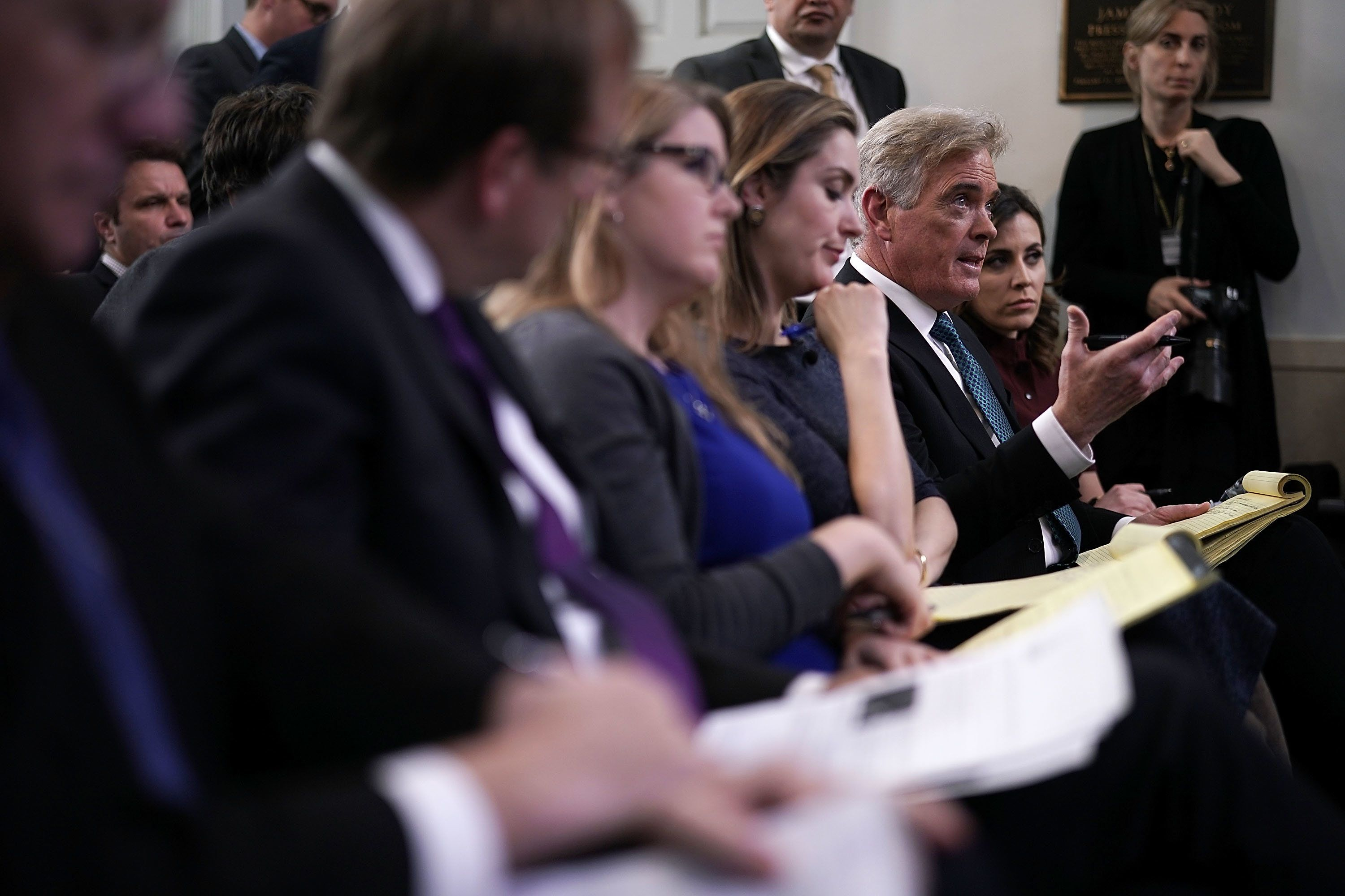 WASHINGTON, DC - FEBRUARY 27:   Fox News Chief White House Correspondent John Roberts asks a question during a daily news briefing in the James Brady Press Briefing Room of the White House February 27, 2018 in Washington, DC. White House Press Secretary Sarah Sanders held the daily briefing and filled questions from members of the White House press corps.  (Photo by Alex Wong/Getty Images)