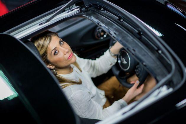 Η Süddeutsche Zeitung μιλά για την Ελληνίδα που είναι η πιο επιτυχημένη πωλήτρια αυτοκινήτων στη