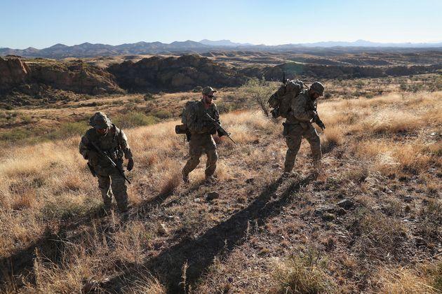 Η Αριζόνα θα αναπτύξει 150 στελέχη της Εθνοφρουράς στα σύνορα με το Μεξικό, το Τέξας