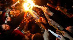 Ολοκληρώθηκε η τελετή αφής του Άγιου Φωτός στα Ιεροσόλυμα. Παραλαβή από τον