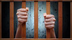Πατέρας κρατούσε μέσα σε ένα κλουβί τον «διανοητικά άρρωστο και άτακτο γιο του» επί 20