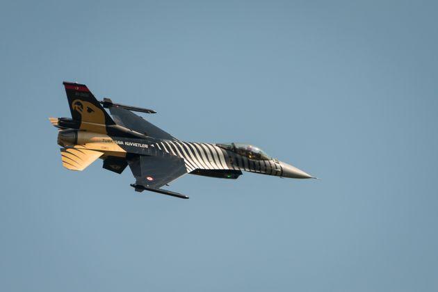 Τουρκικά F-16 πέταξαν πάνω από την Παναγιά των Οινουσσών όπου βρίσκεται ο Πάνος