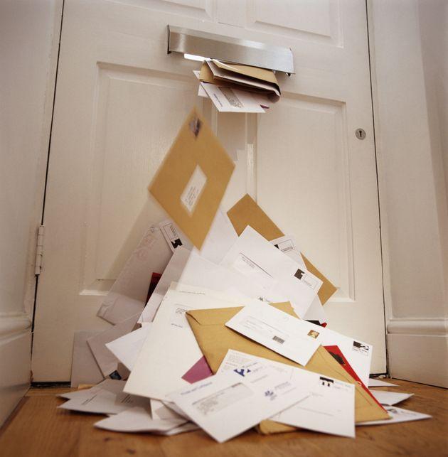 Italien Postbote Hortet 400 Kilo Briefe Die Begründung Ist Dreist