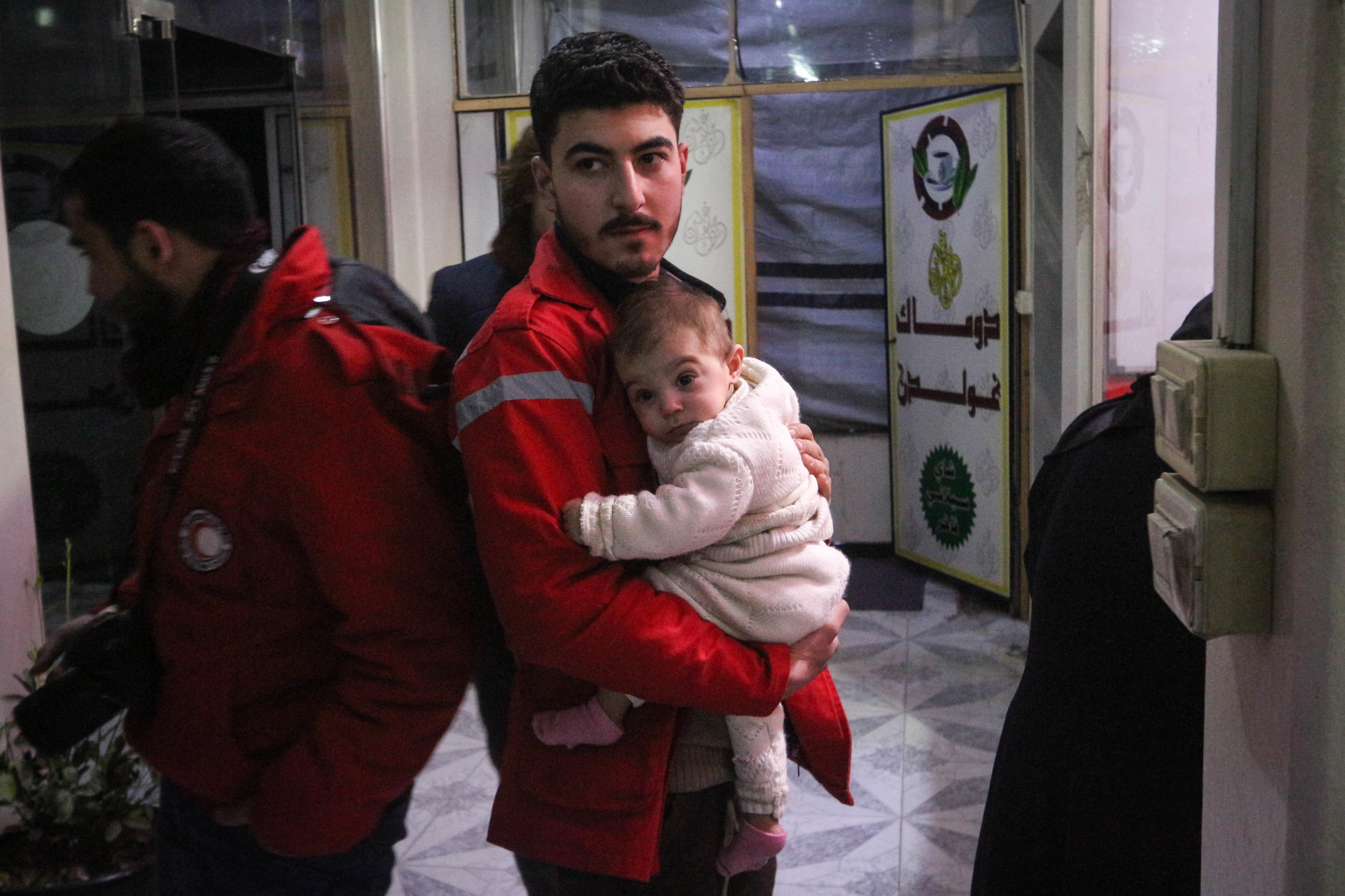 Συρία: Συμφωνία για την αποχώρηση της ανταρτικής οργάνωσης Τζάις αλ-Ισλάμ από την ανατολική