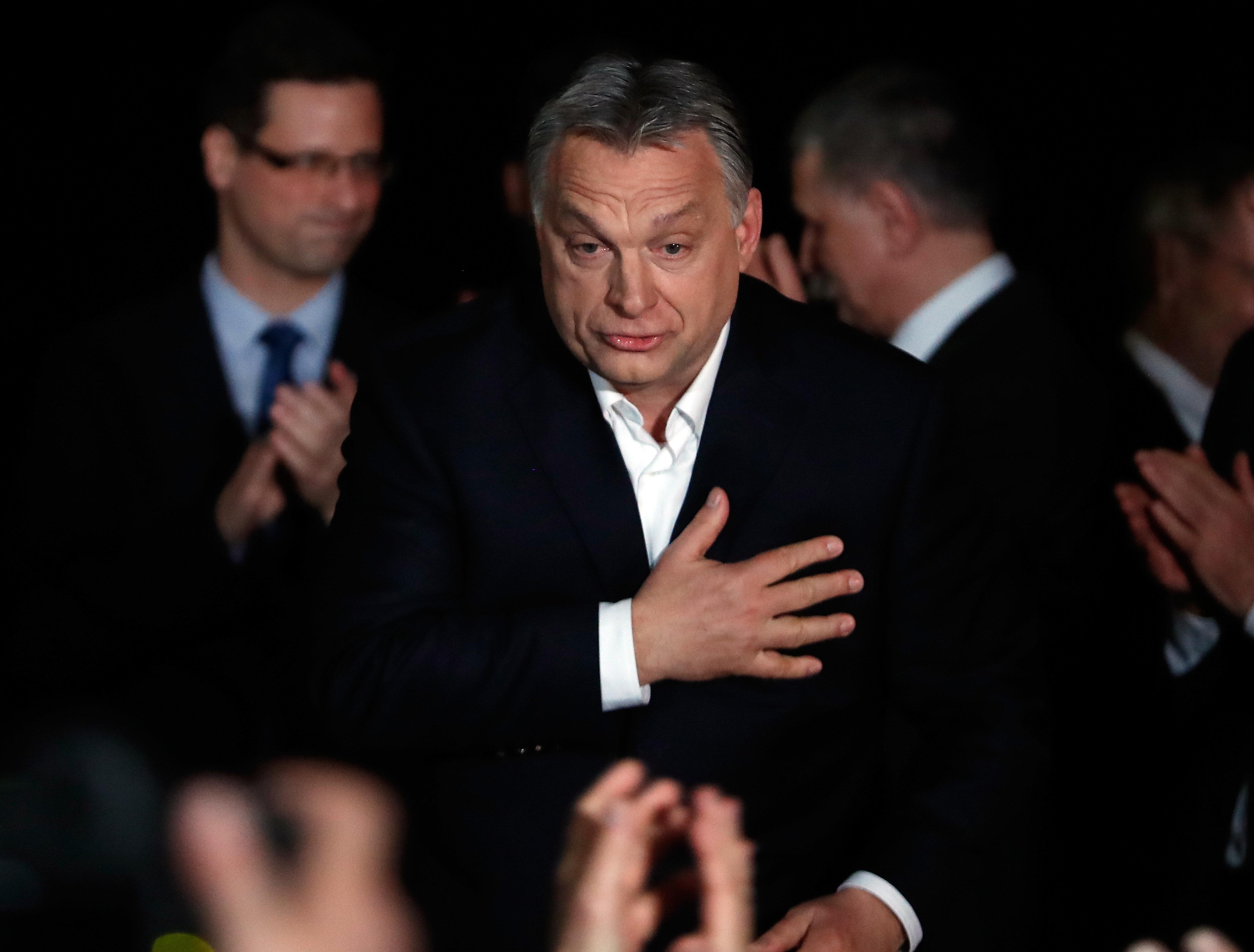 Σάρωσε ο Όρμπαν στις εκλογές στην Ουγγαρία. Κέρδισε κοινοβουλευτική πλειοψηφία που του δίνει «λευκή