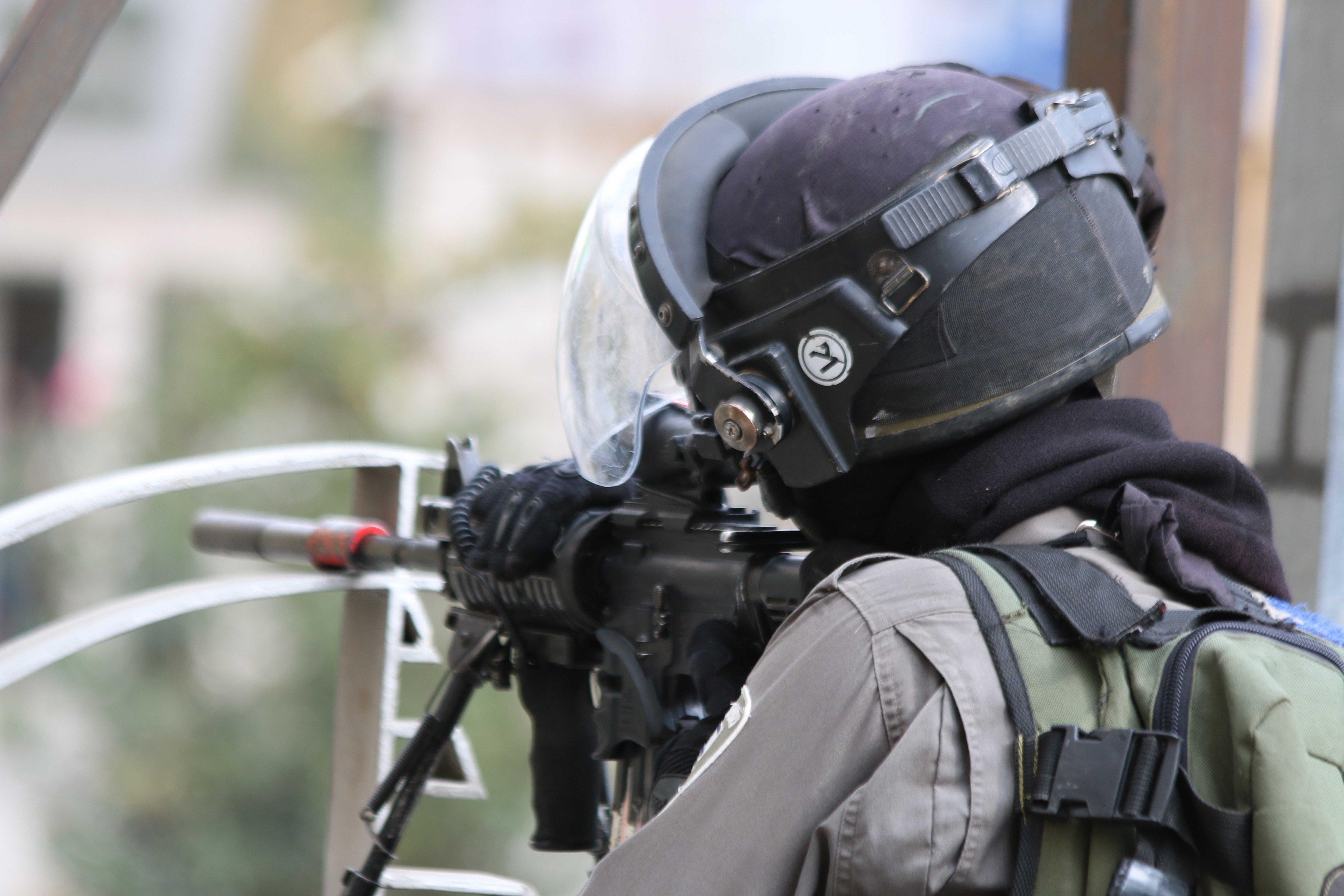 Βίντεο που τράβηξε ισραηλινός ελεύθερος σκοπευτής καθώς πυροβολεί στο κεφάλι άοπλο Παλαιστίνιο προκαλεί