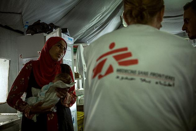 피난생활 끝낸 이라크 난민, 집에는 폭탄이