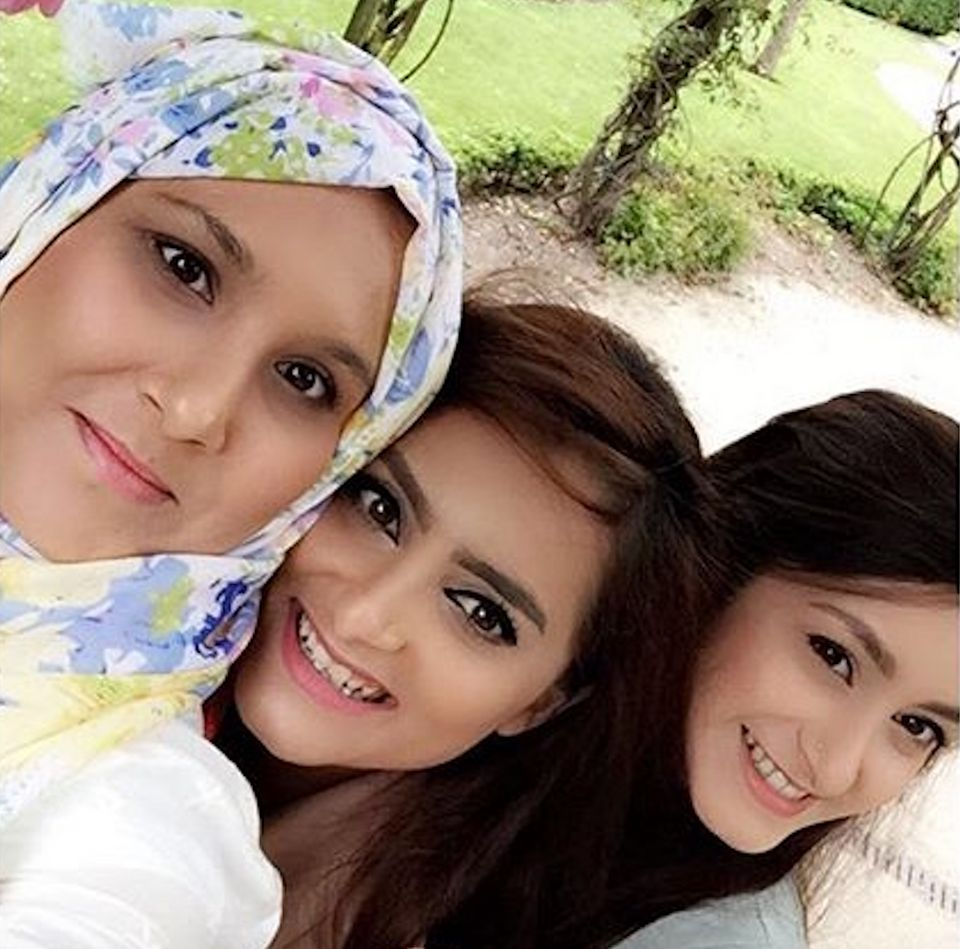 Now: Wajeeha (middle), Madeeha (L) and